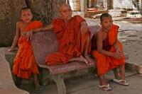 Mönch mit Novizen
